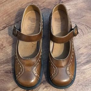 Original Dr. Martens brown Mary Jane shoes. Size 7